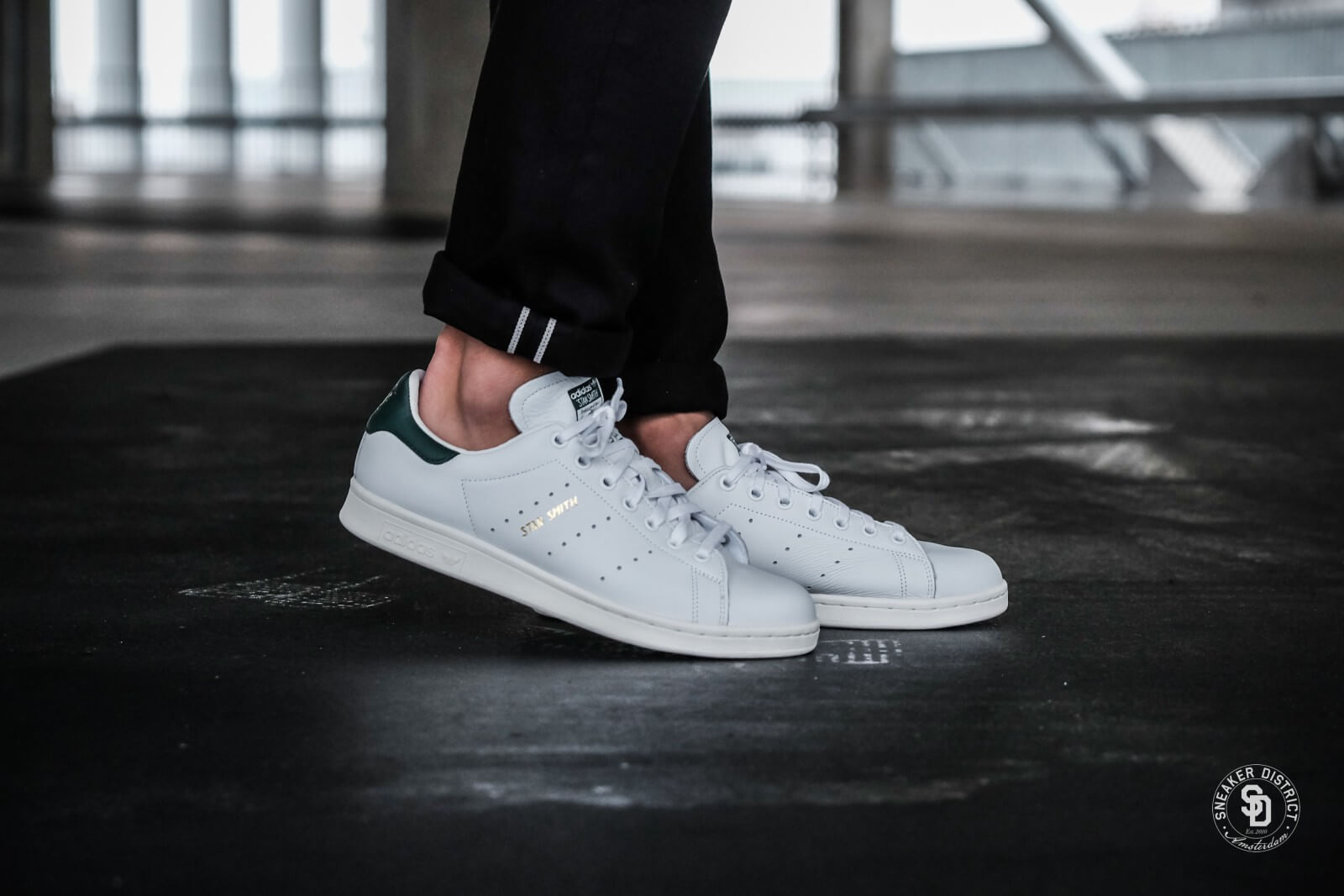 adidas stan smith with green