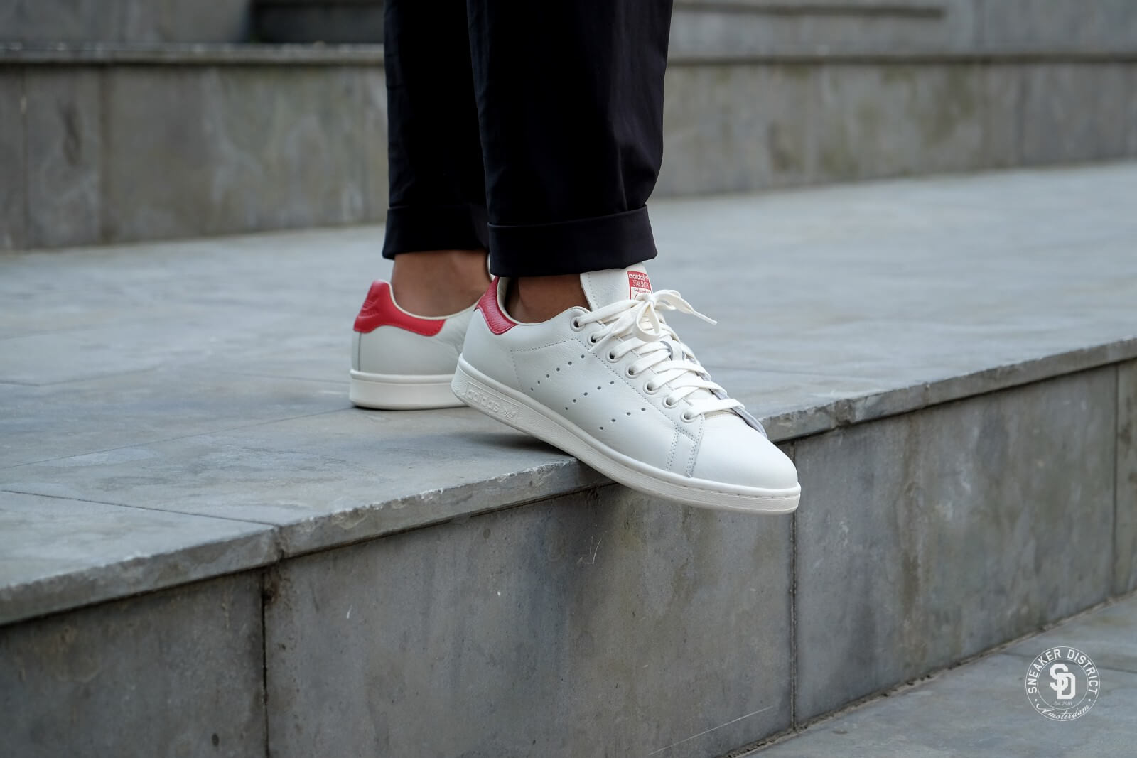 Adidas Stan Smith Chalk WhiteScarlet B37898