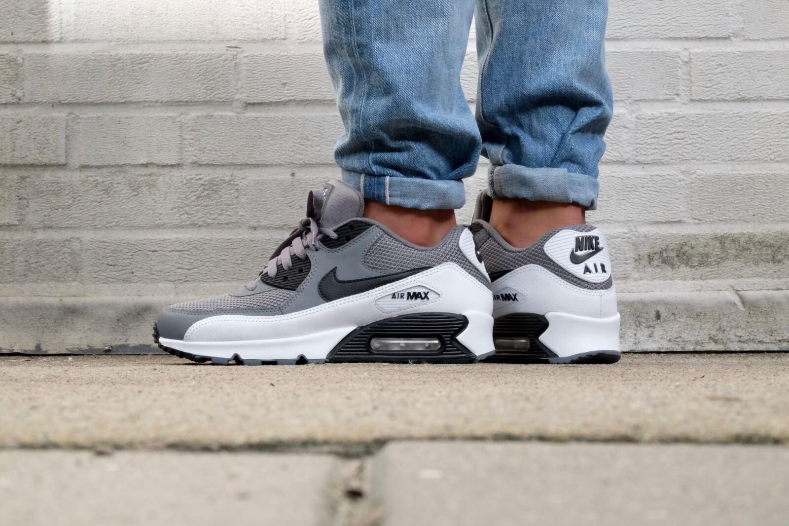 Nike Air Max 90 Essential Cool grey/ Black-White