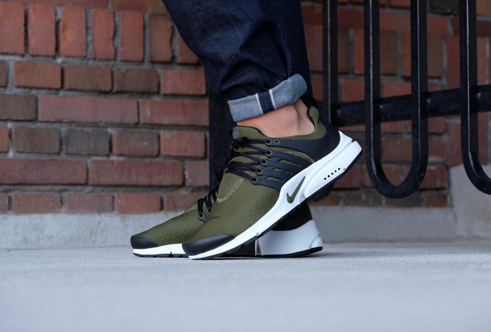 Nike Air Presto Essential Legion GreenLegion Green Black 848187 302