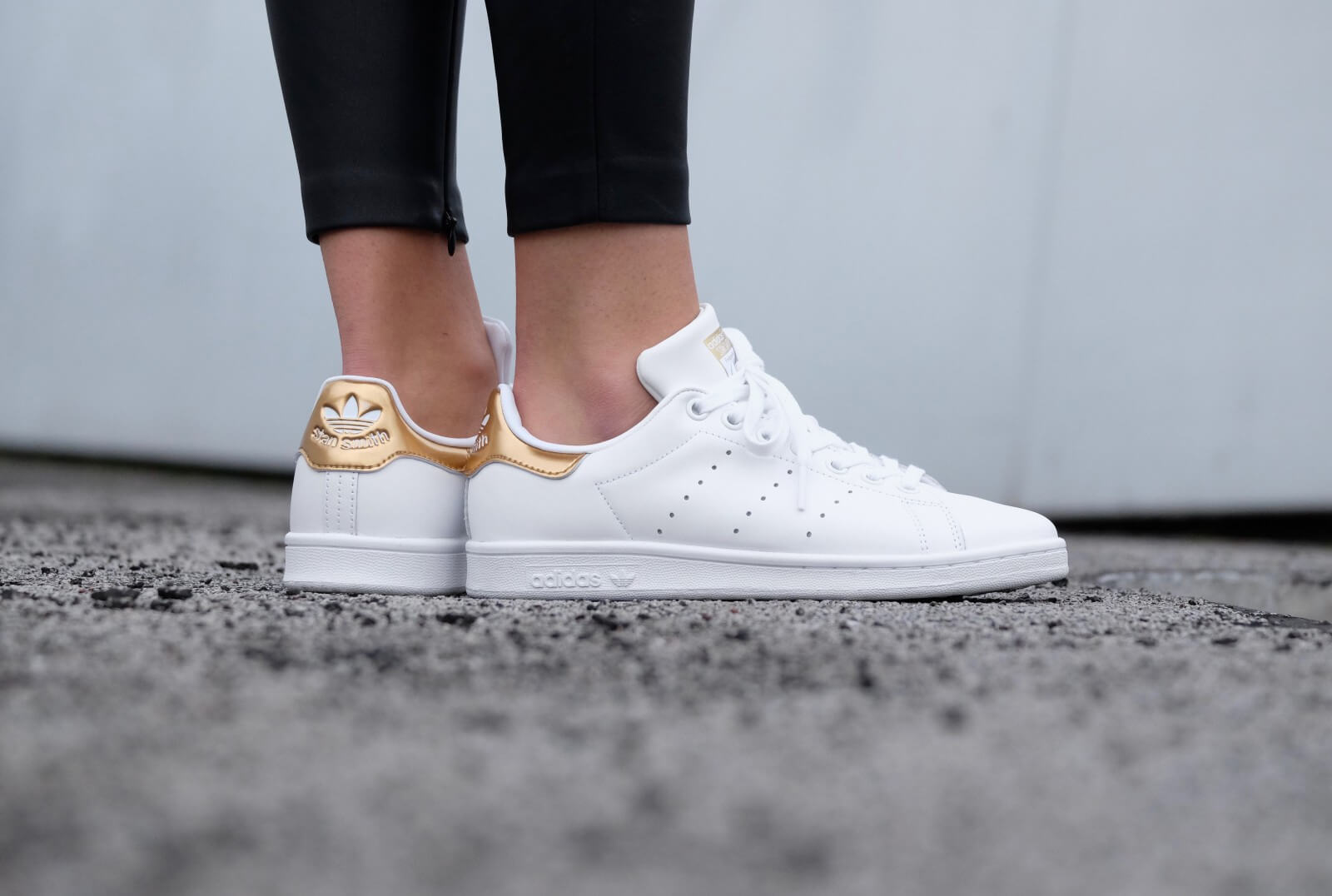 Adidas WMNS Stan Smith - Footwear White / Gold
