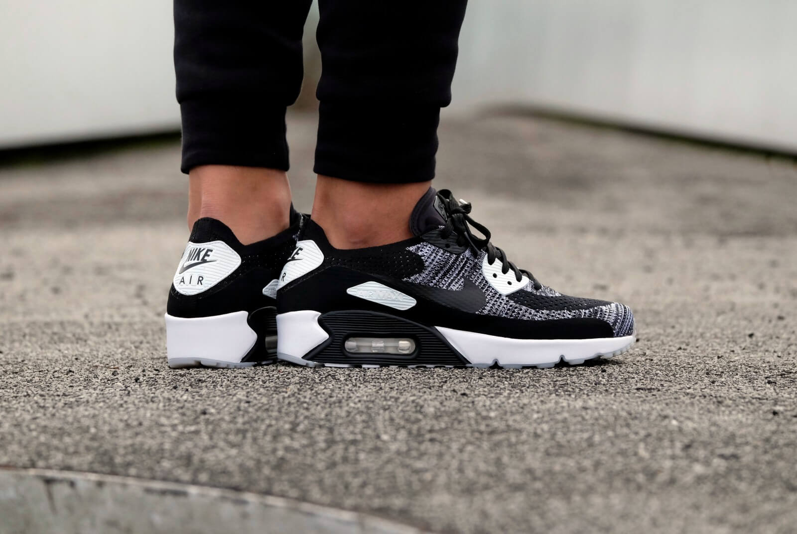 nike air max 90 flyknit black white