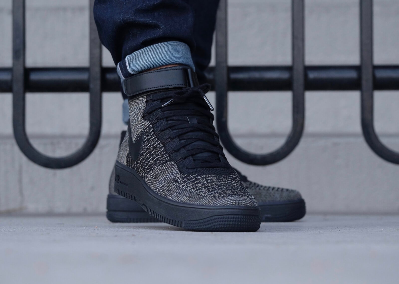 Nike Air Force 1 Ultra Flyknit Mid Palm Green/Black-White