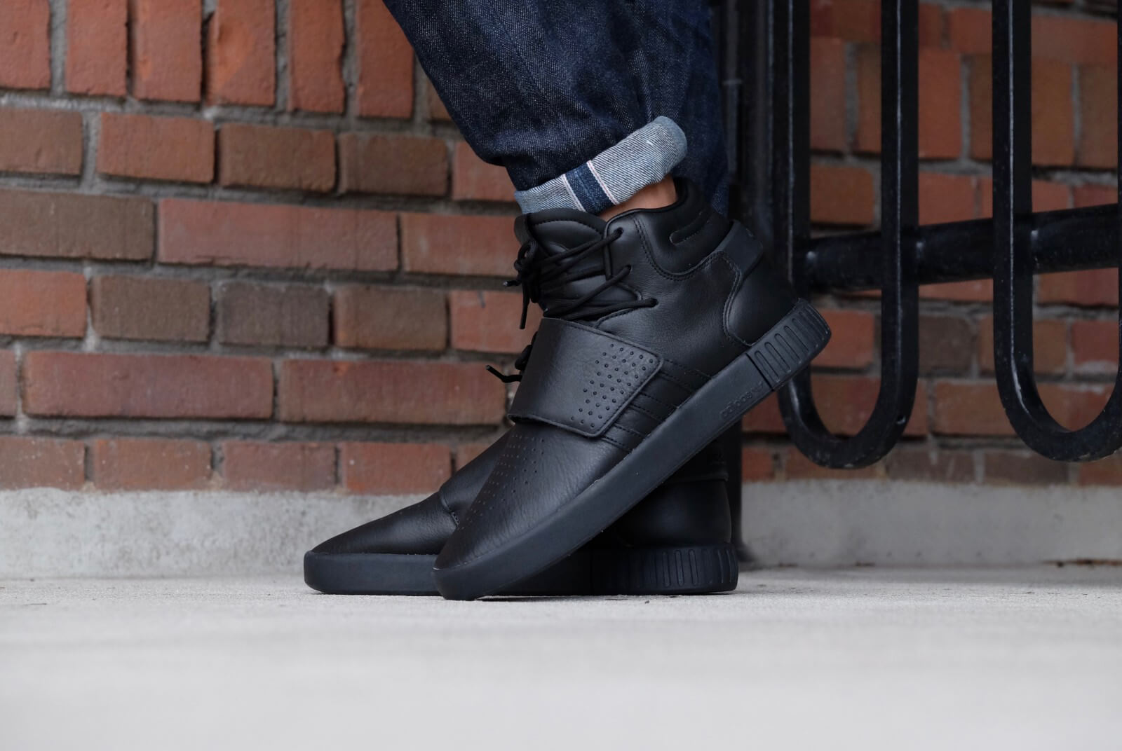 Adidas Tubular Invader Strap - Core Black / Black