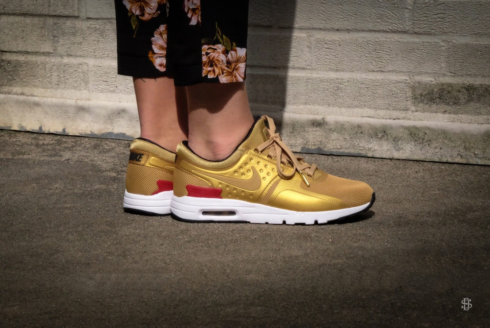 Nike Air Max Zero QS Metallic Gold/ Varsity Red