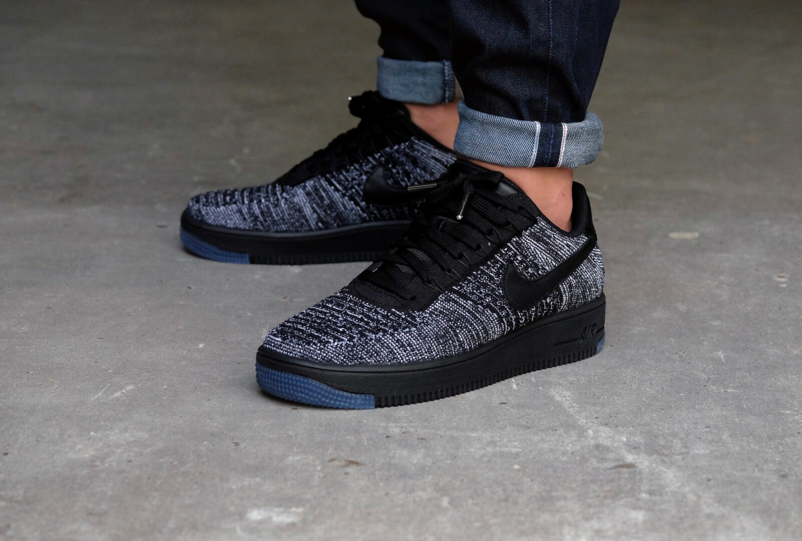 Nike WMNS Air Force 1 Flyknit Low BlackBlack White 820256 007
