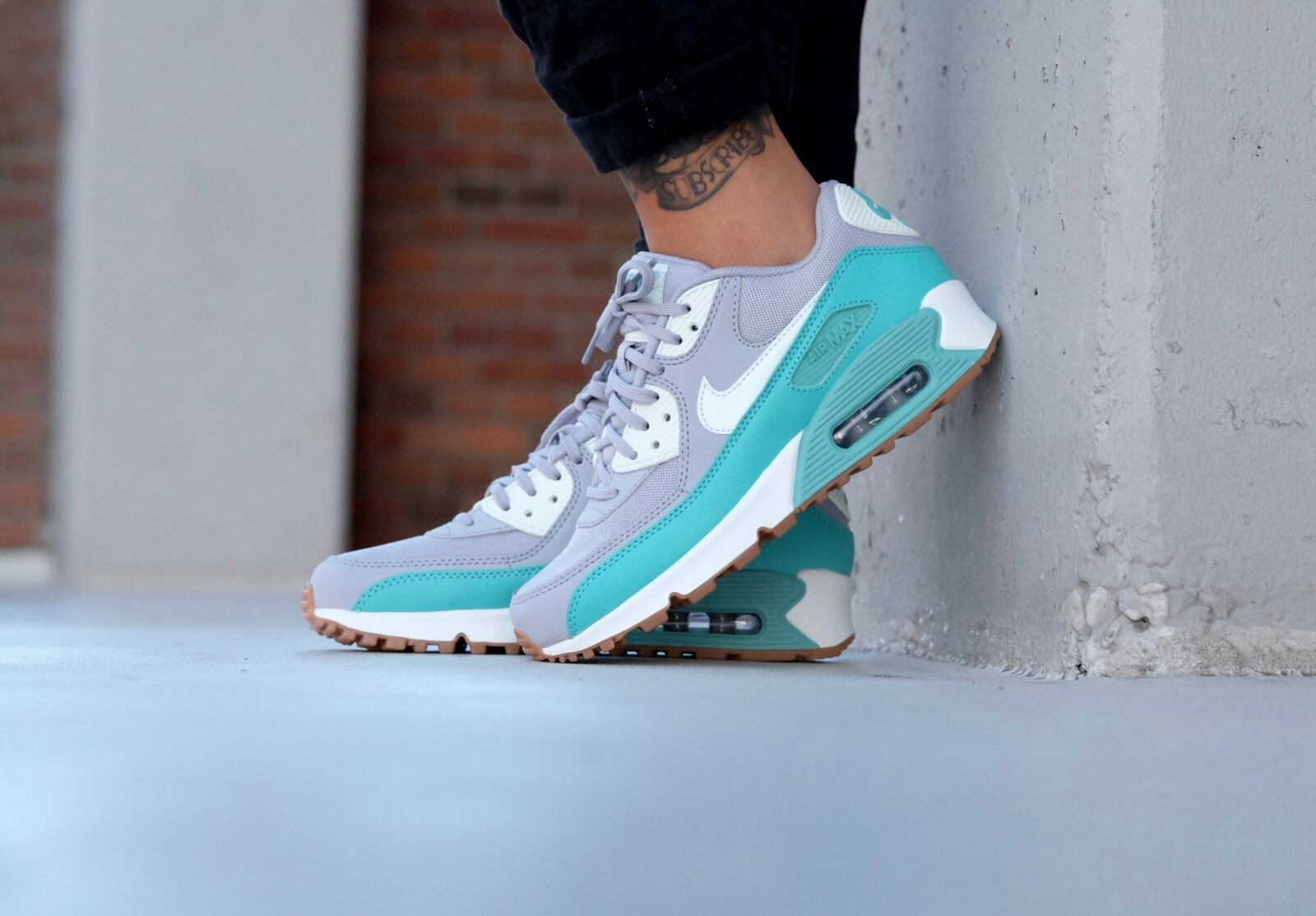 Nike WMNS Air Max 90 Essential Wolf grey/ Barely green-Washed Teal