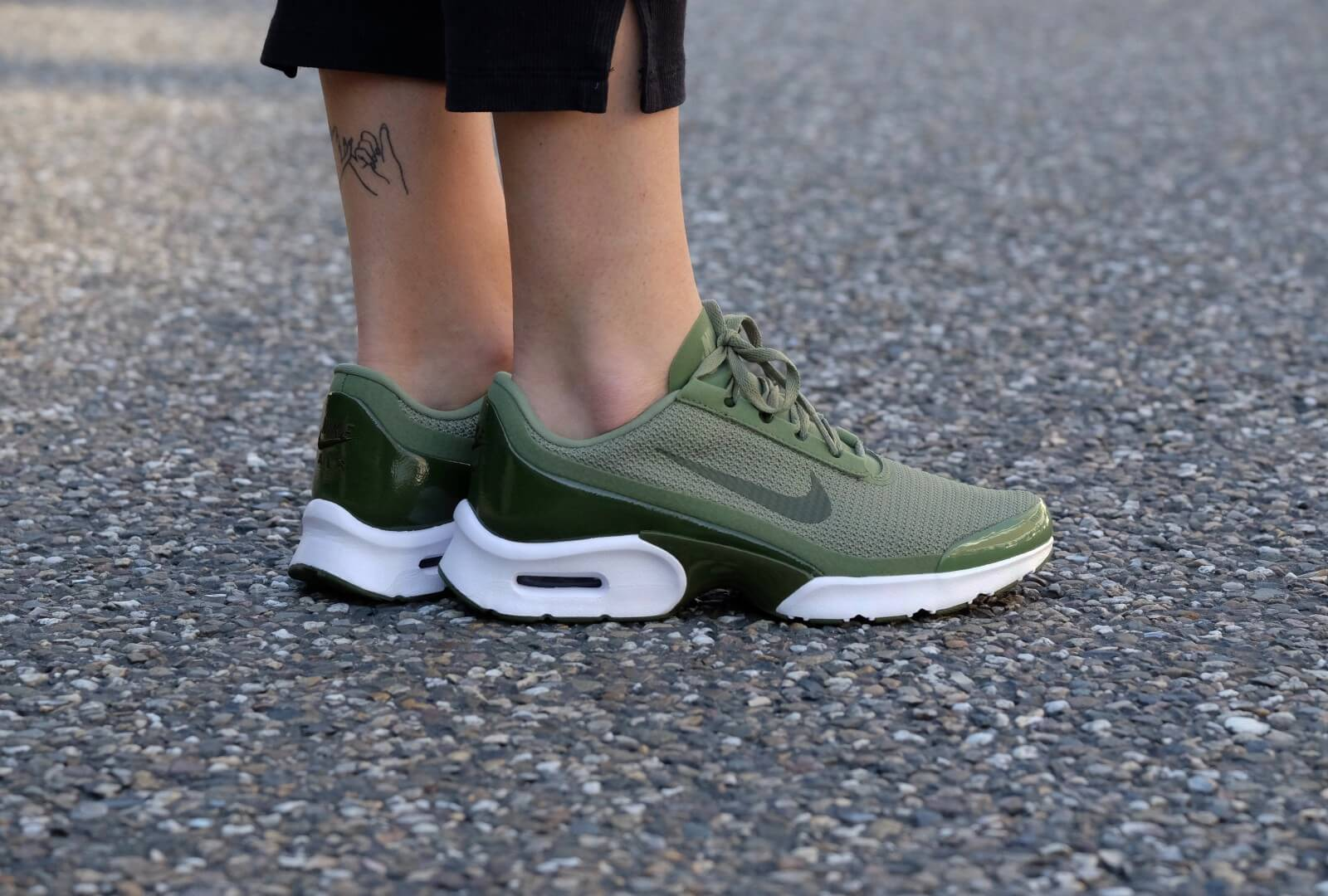 Nike WMNS Air Max Jewell Palm GreenLegion Green White Black 896194 300