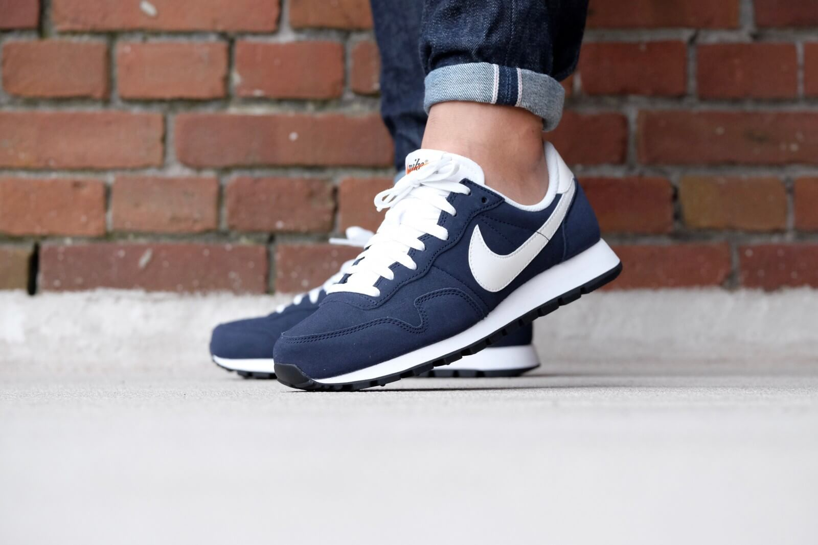 Volver a disparar Fanático coreano  Nike Air Pegasus 83 LTR Dark Obsidian/ Summit White-Black - 827922-401