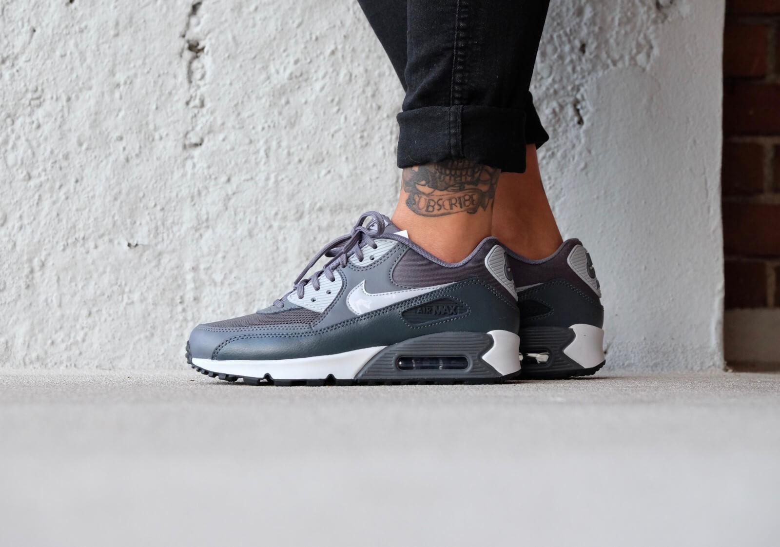 Nike Air Max 90 Essential (Dark Grey Dark Grey Black