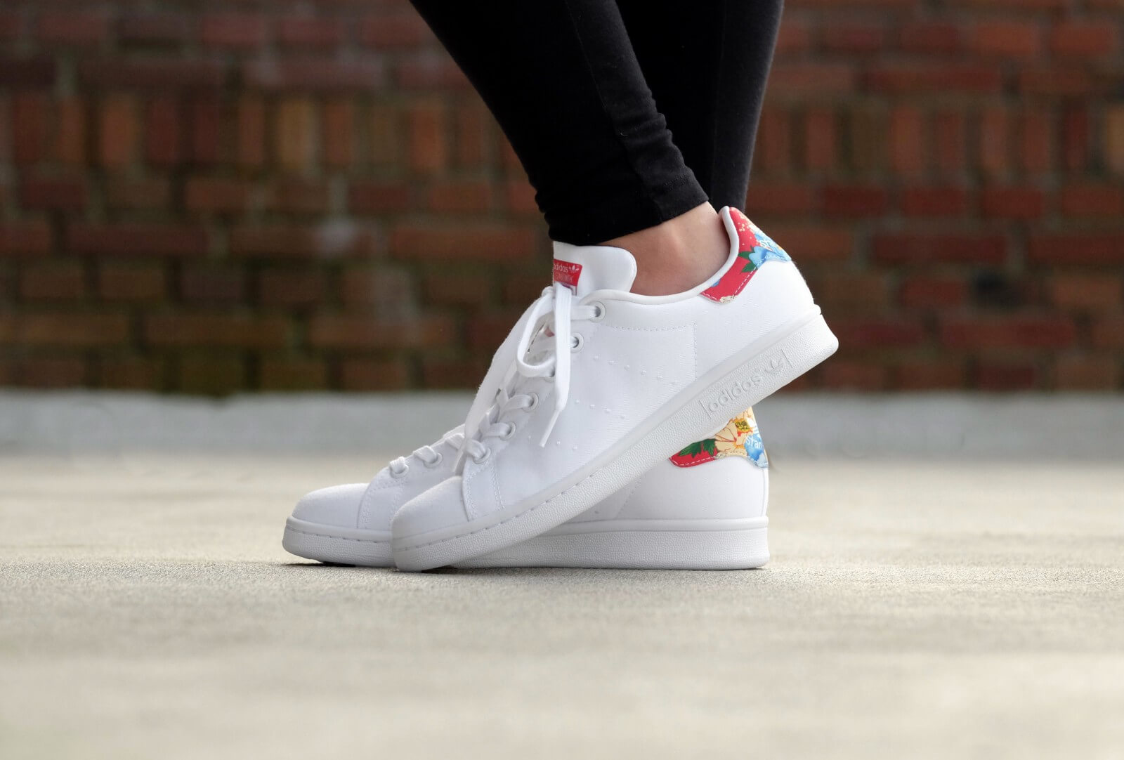 adidas wmns stan smith footwear white power red bb5157. Black Bedroom Furniture Sets. Home Design Ideas