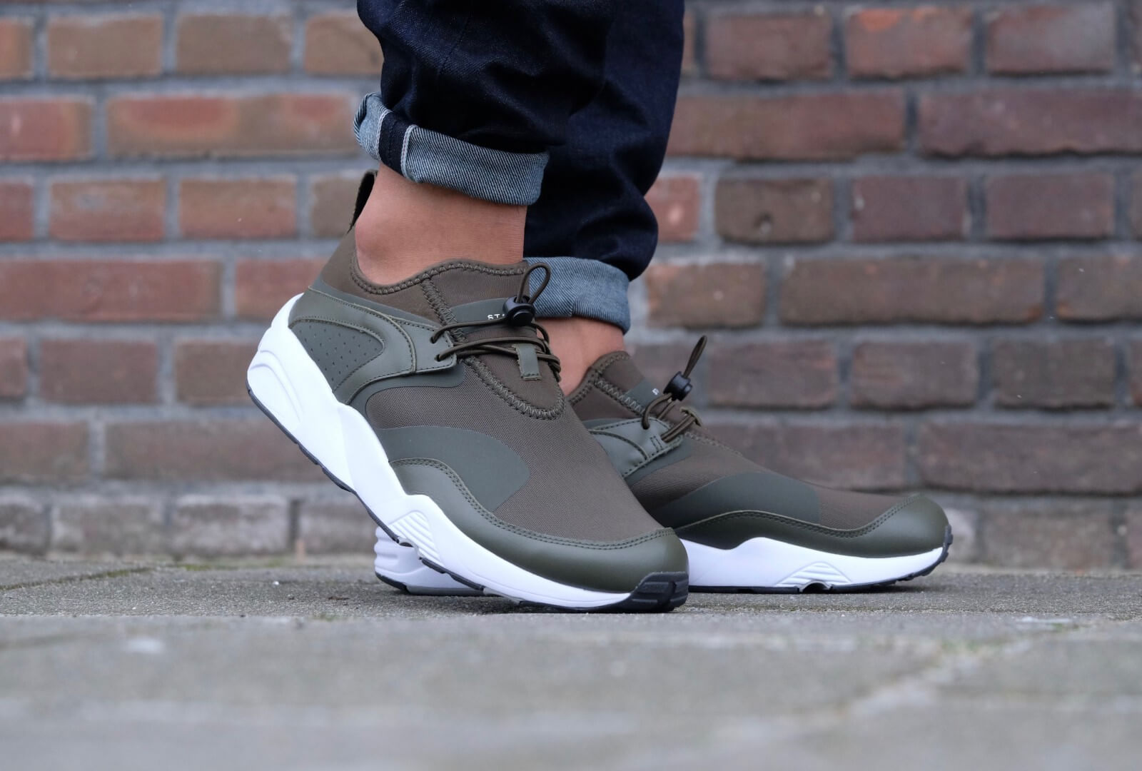 Puma Blaze of Glory NU x Stampd Forest Night Puma White 361493 01