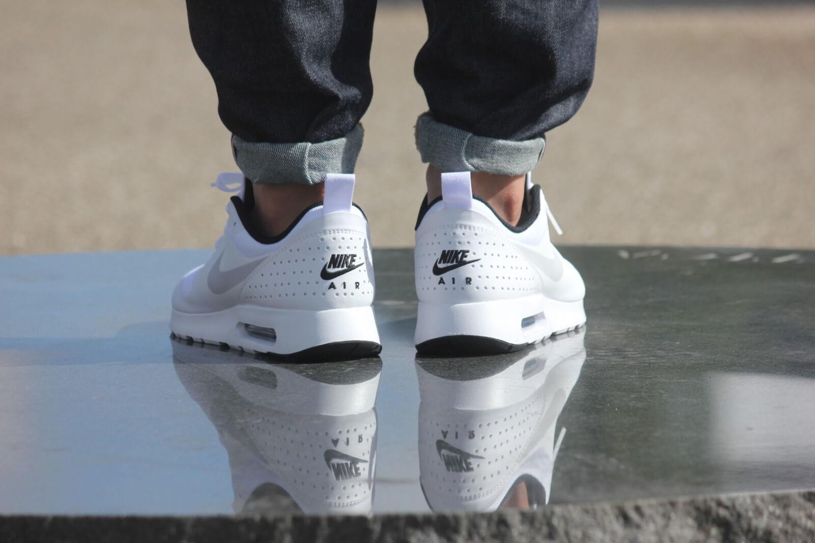 Nike Air Max Tavas White pure platinum black 705149 103