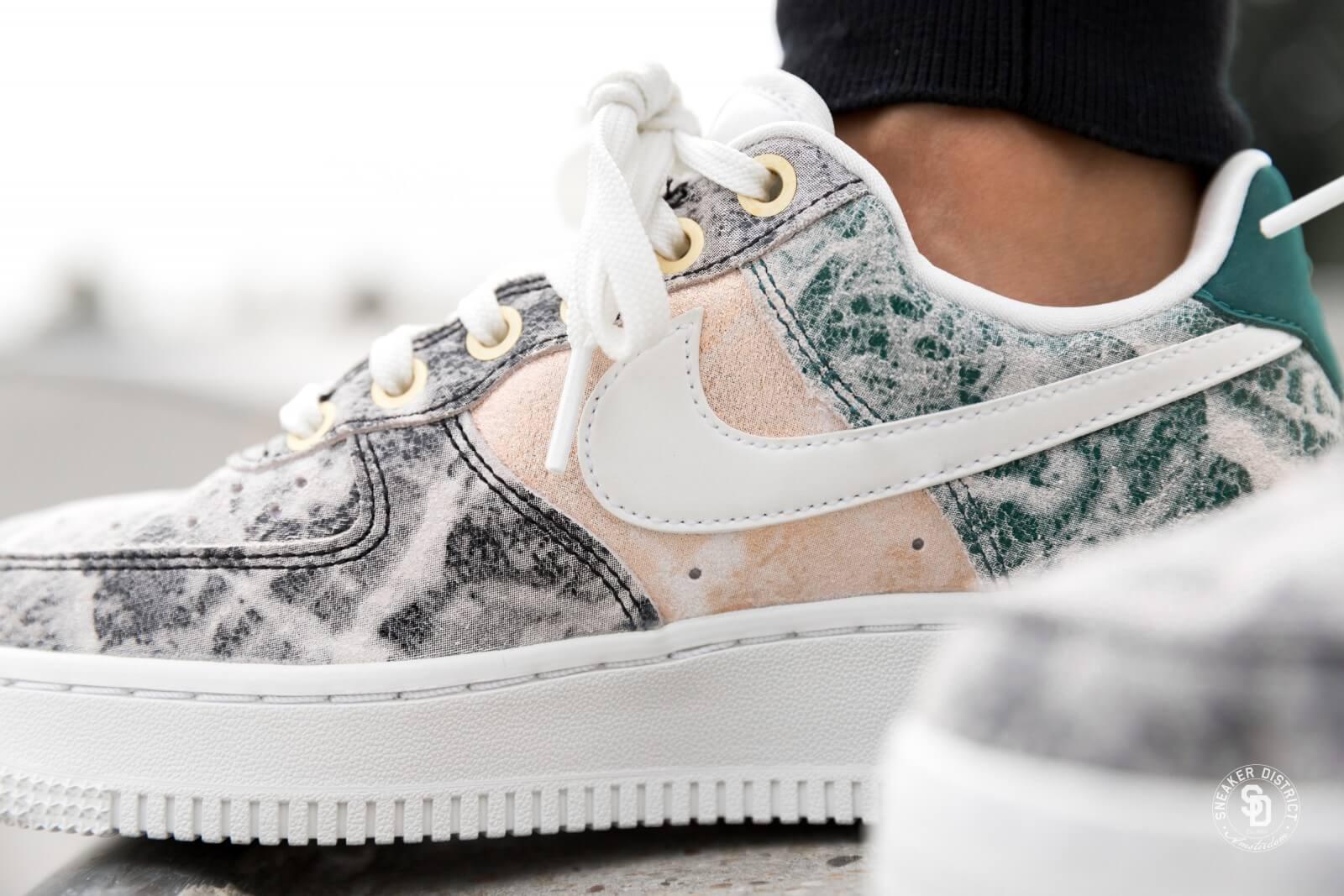 Nike Women's Air Force 1 LXX Summit White/Oil Grey