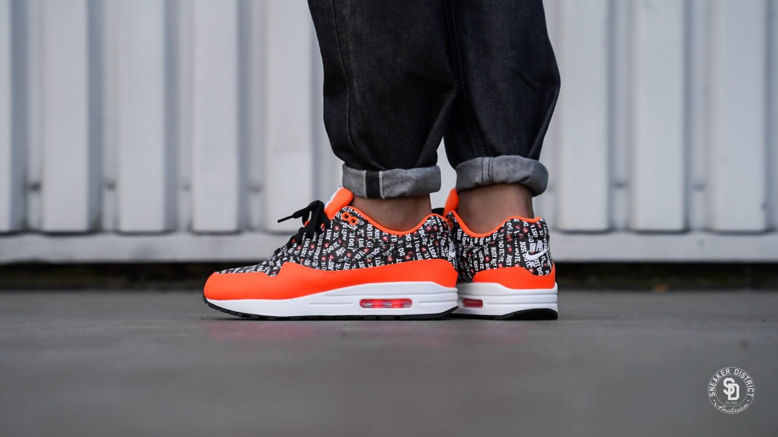 nike air max 1 white orange black