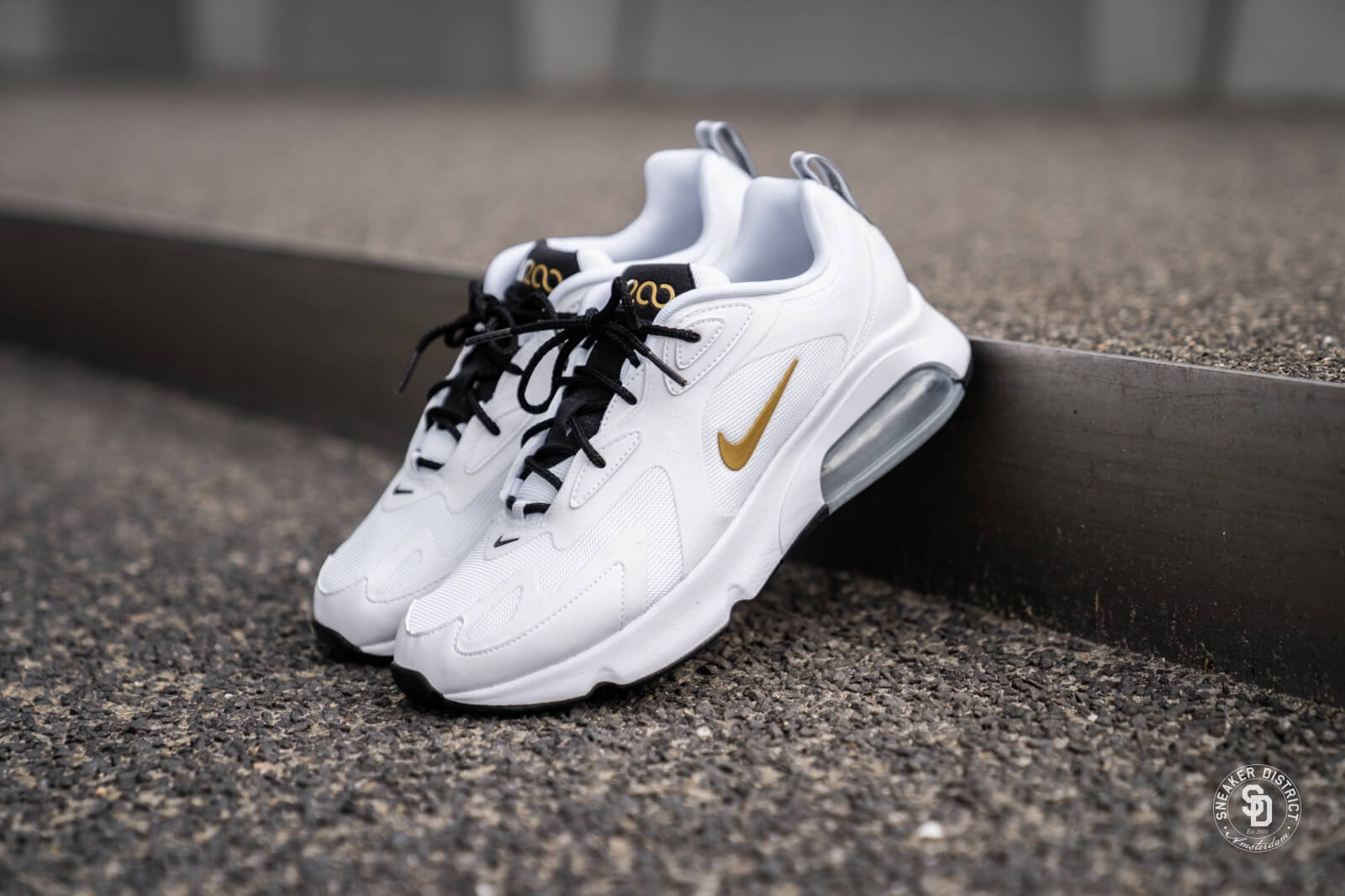 Nike Air Max 200 WhiteMetallic Gold Black AQ2568 102