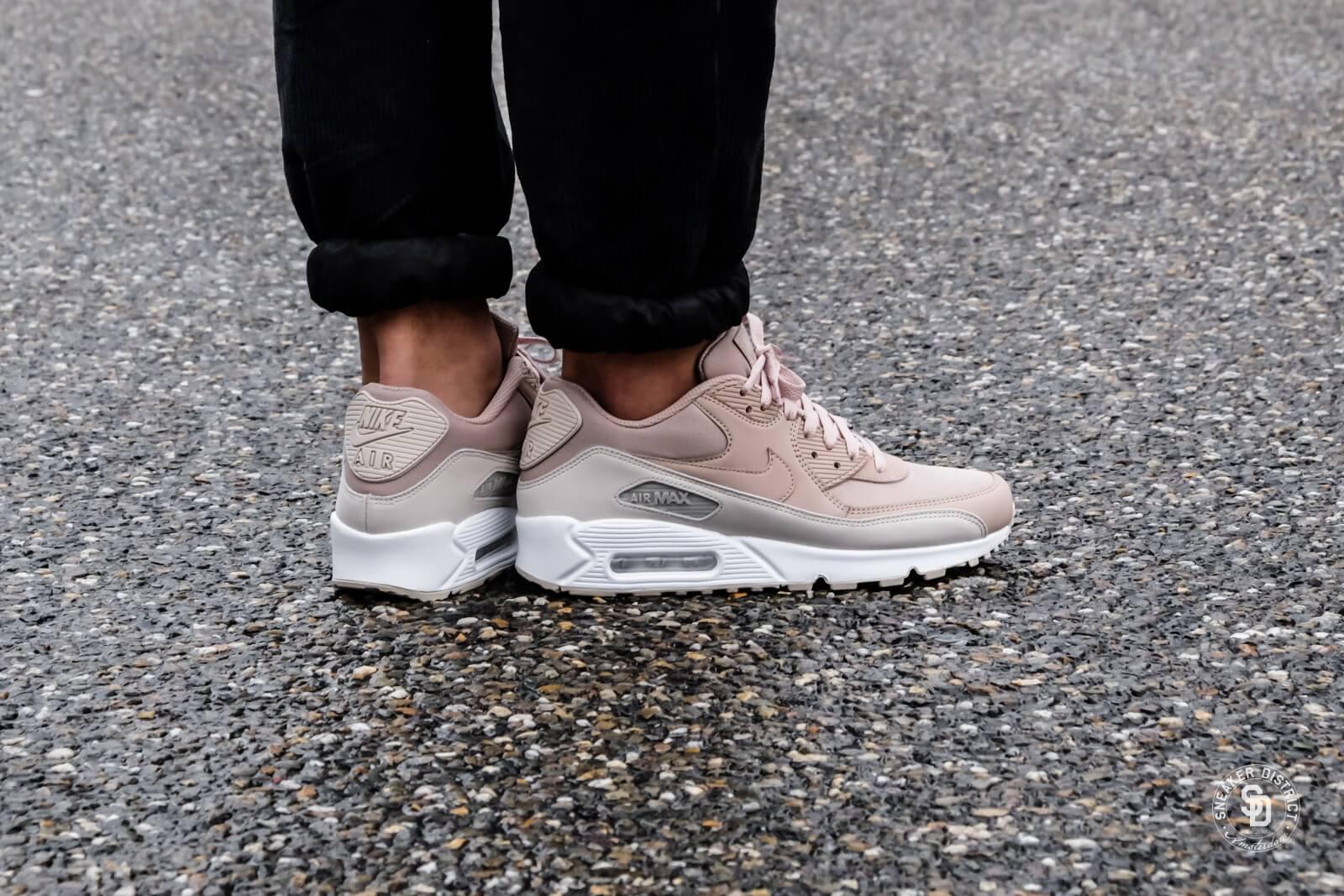 Nike Air Max 90 Essential LTR | Fashion Ideas | Nike air max