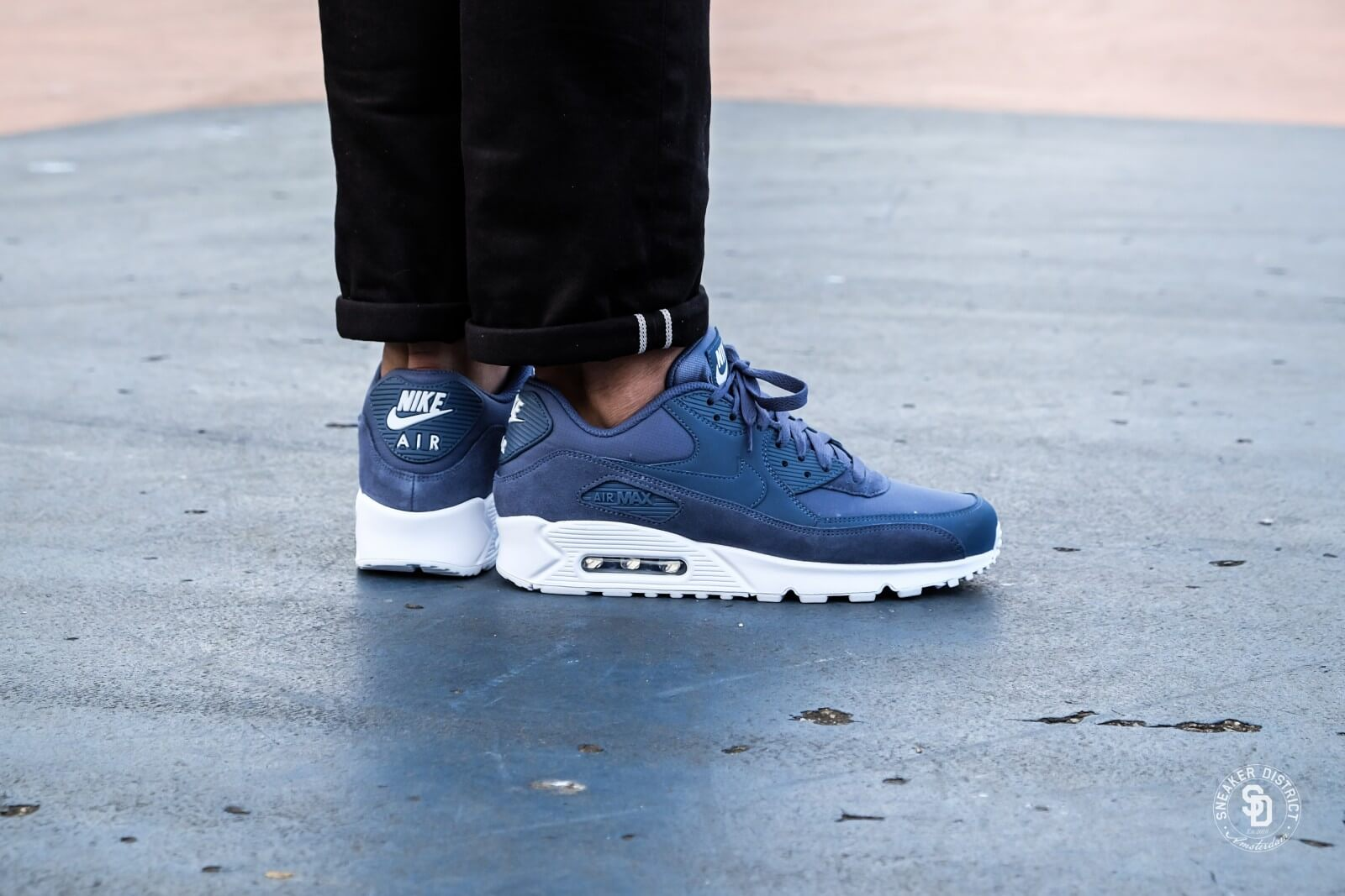 air max 90 white with jeans
