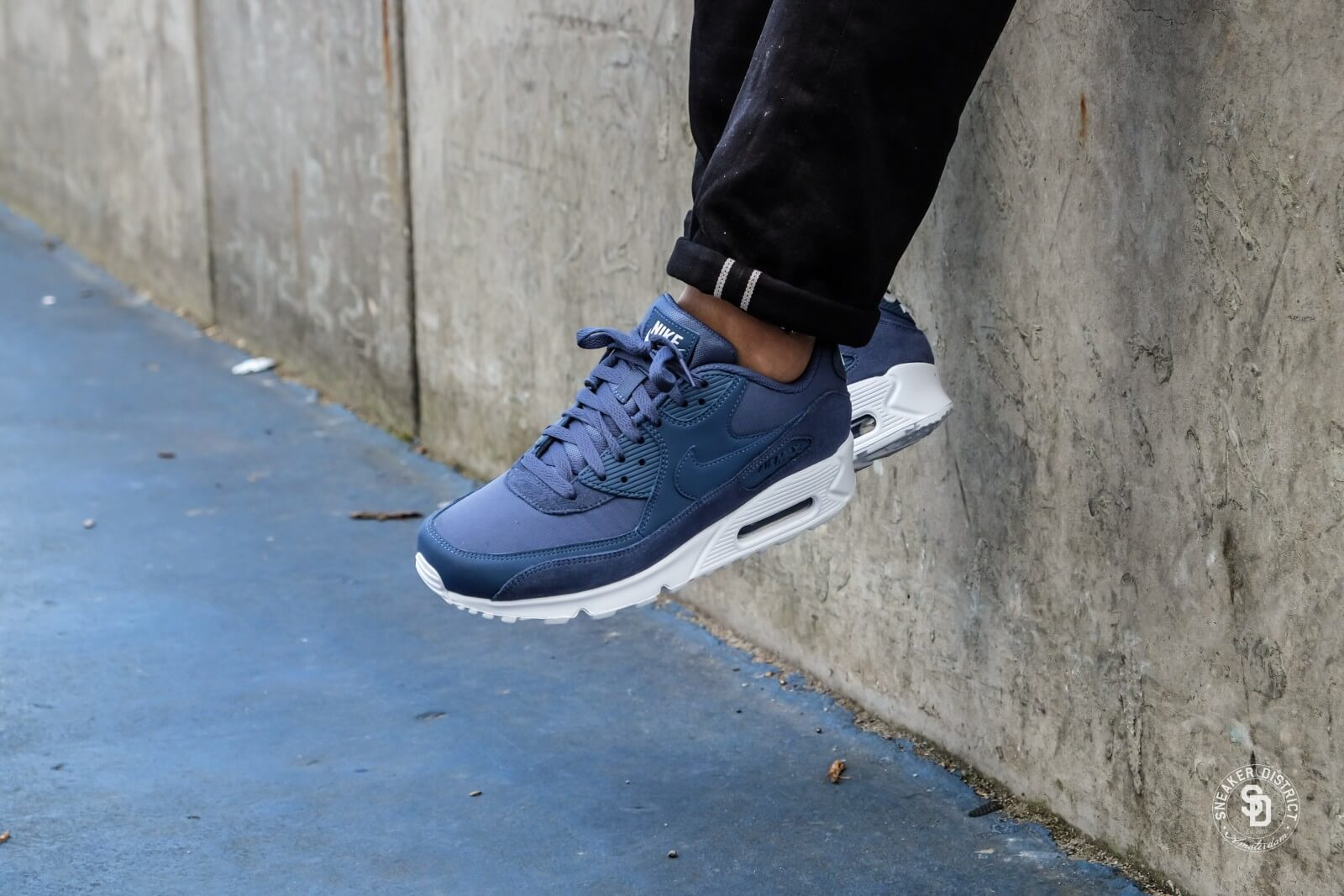 factory authentic 94dcf 45a01 Nike Air Max 90 Essential Diffused BlueWhite AJ1285 400