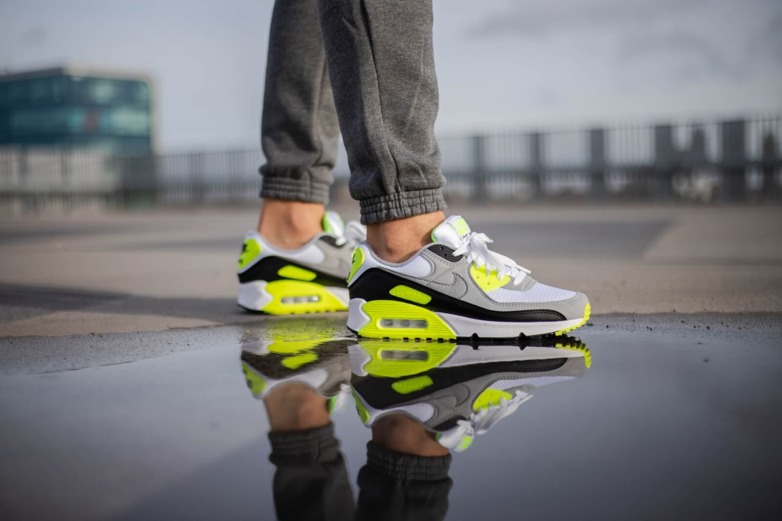 Nike Air Max 90 WhiteParticle Grey Volt CD0881 103