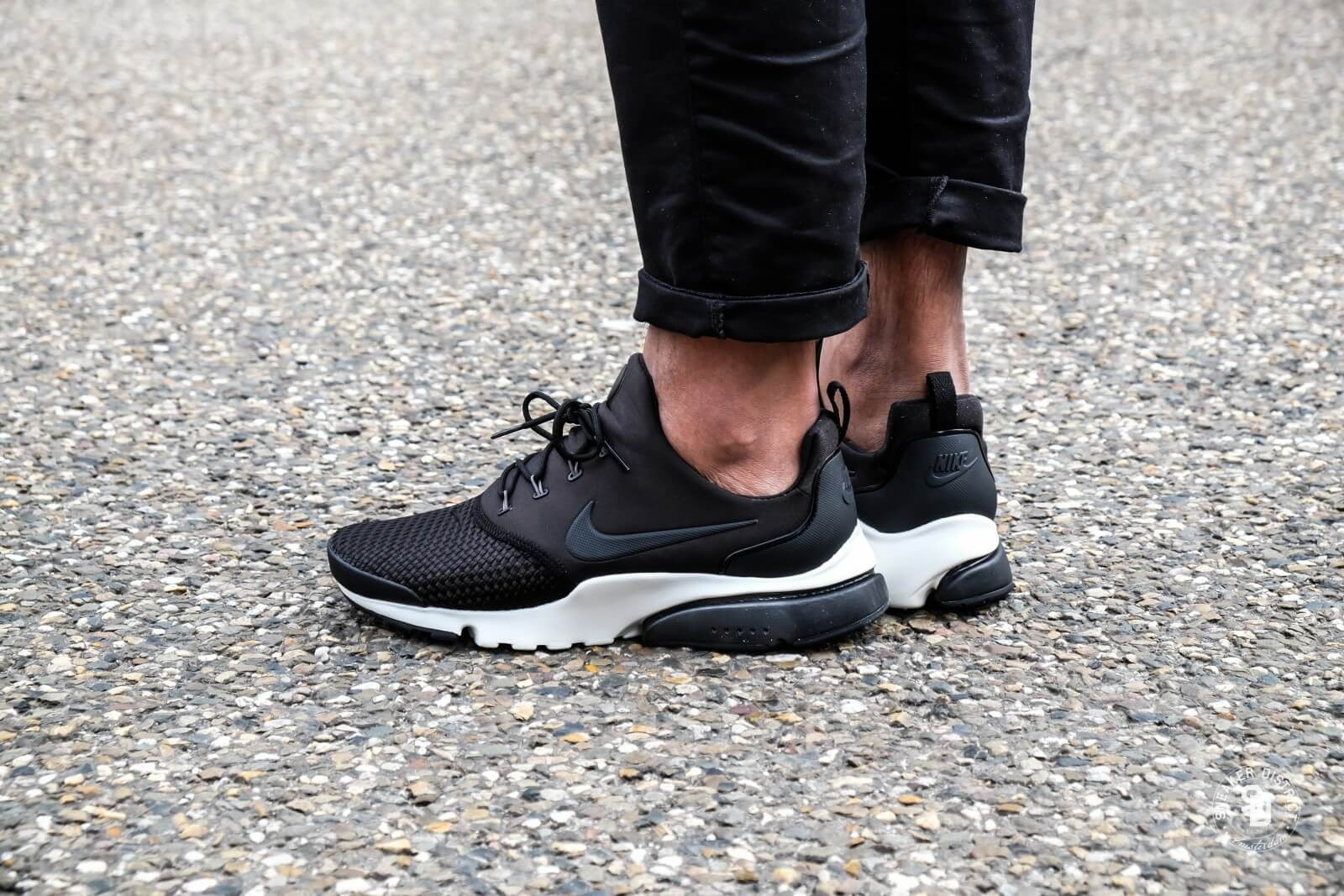 Nike Presto Fly SE Black/Dark Grey-Sail