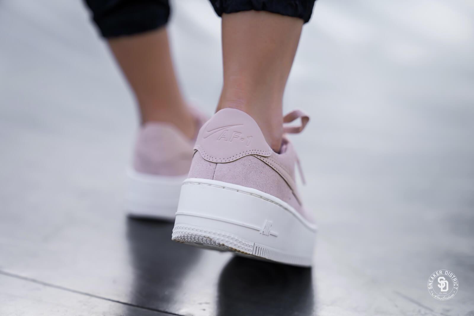 Nike Women's Air Force 1 Sage Low Particle BeigePhantom