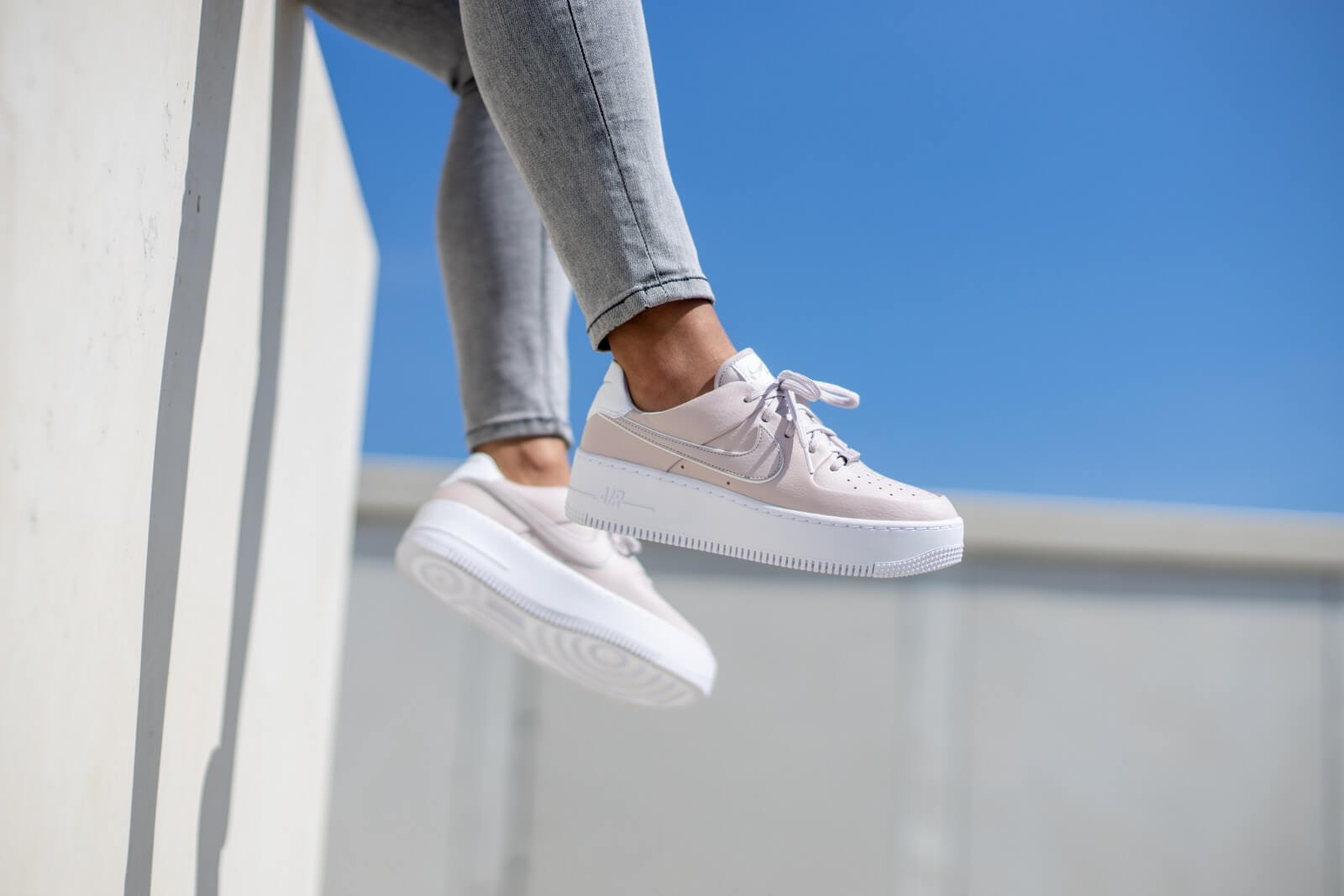 nike air force 1 sage blanche