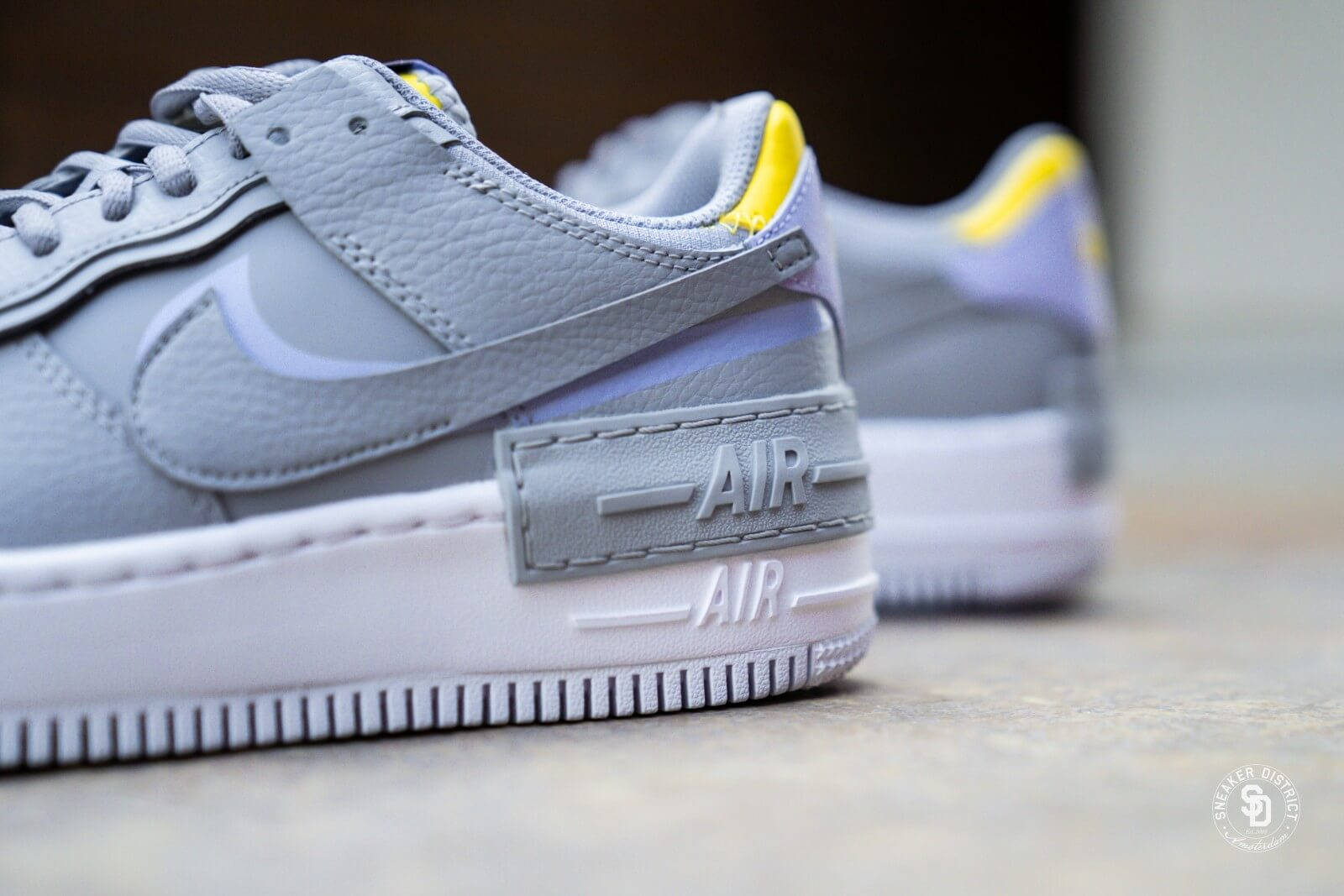 AIR FORCE 1 SHADOW Sneakers wolf greychrome yellow