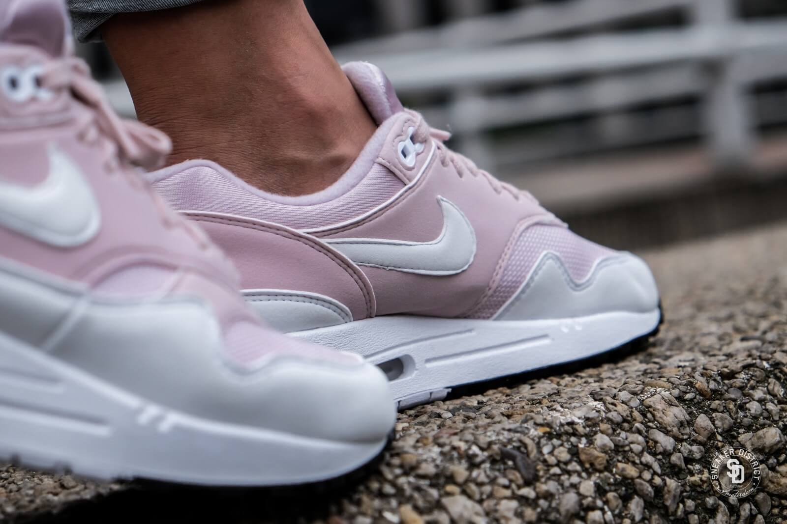 1 319986 Barely Rosewhite 607 Women's Max Nike Air BqwtHWY