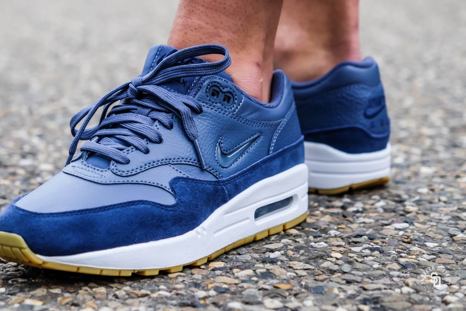 separation shoes 5515f 69c11 ... france switzerland nike womens air max 1 premium sc diffused blue navy  49e0e e6256 5936e a5316