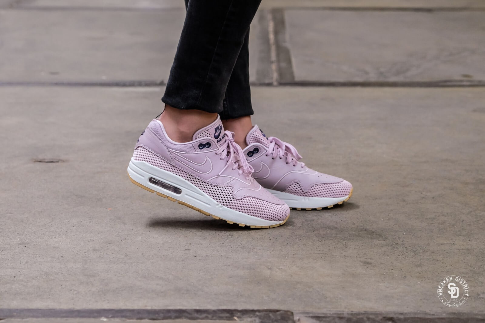 Nike Women's Air Max 1 SI Particle Rose