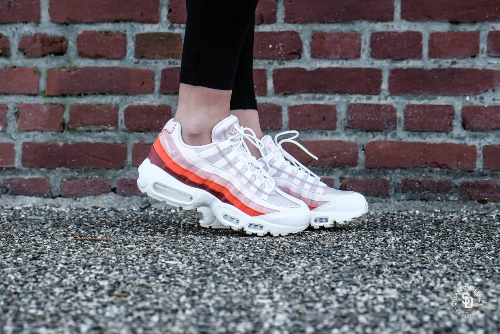 Nike Women's Air Max 95 Barely Rose/Coral Stardust
