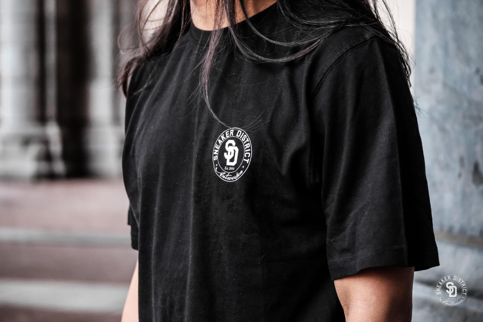 Small Antwerpen Logo Sneaker T Shirt 038 Blackwhite District 4qtwwf5