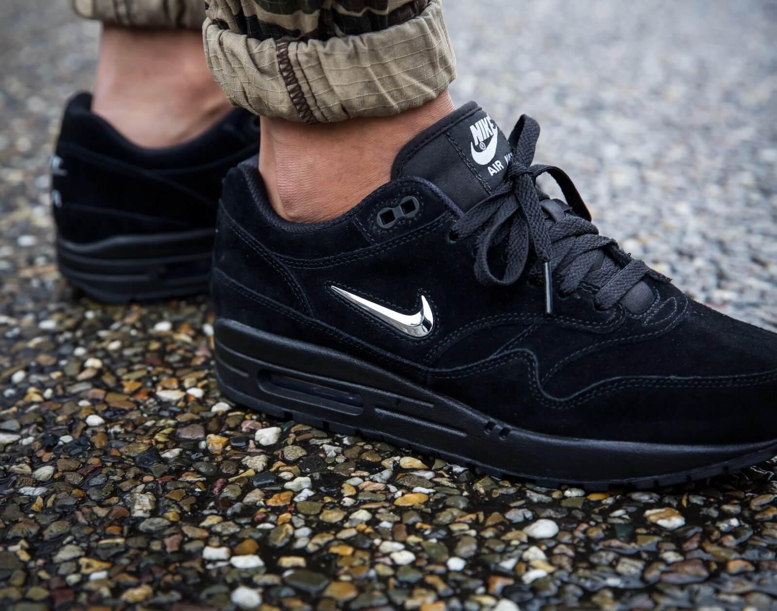 Nike Air Max 1 Premium SC BlackChrome Black 918354 005