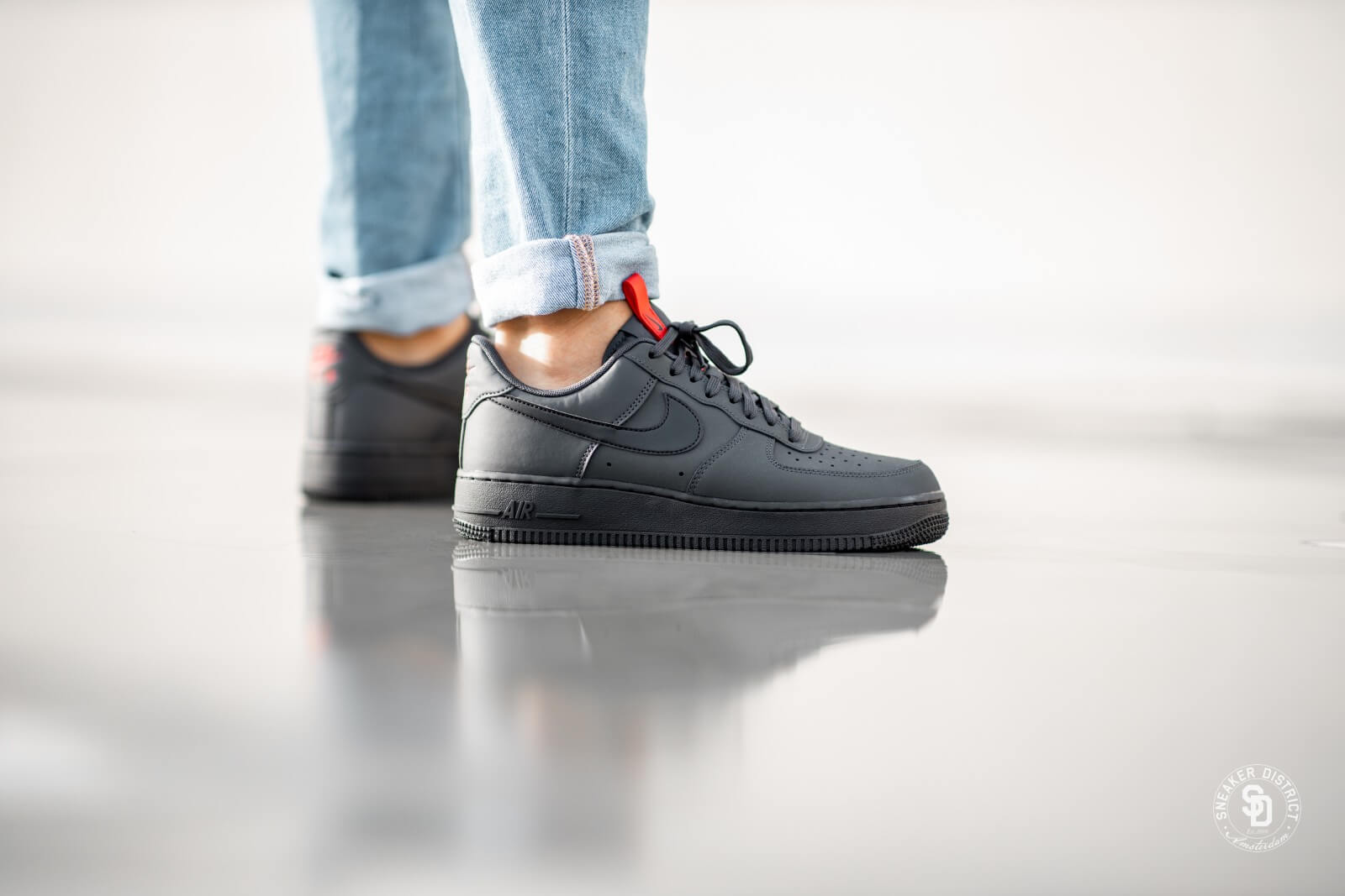 nike homme baskets air force 1 07 anthracite