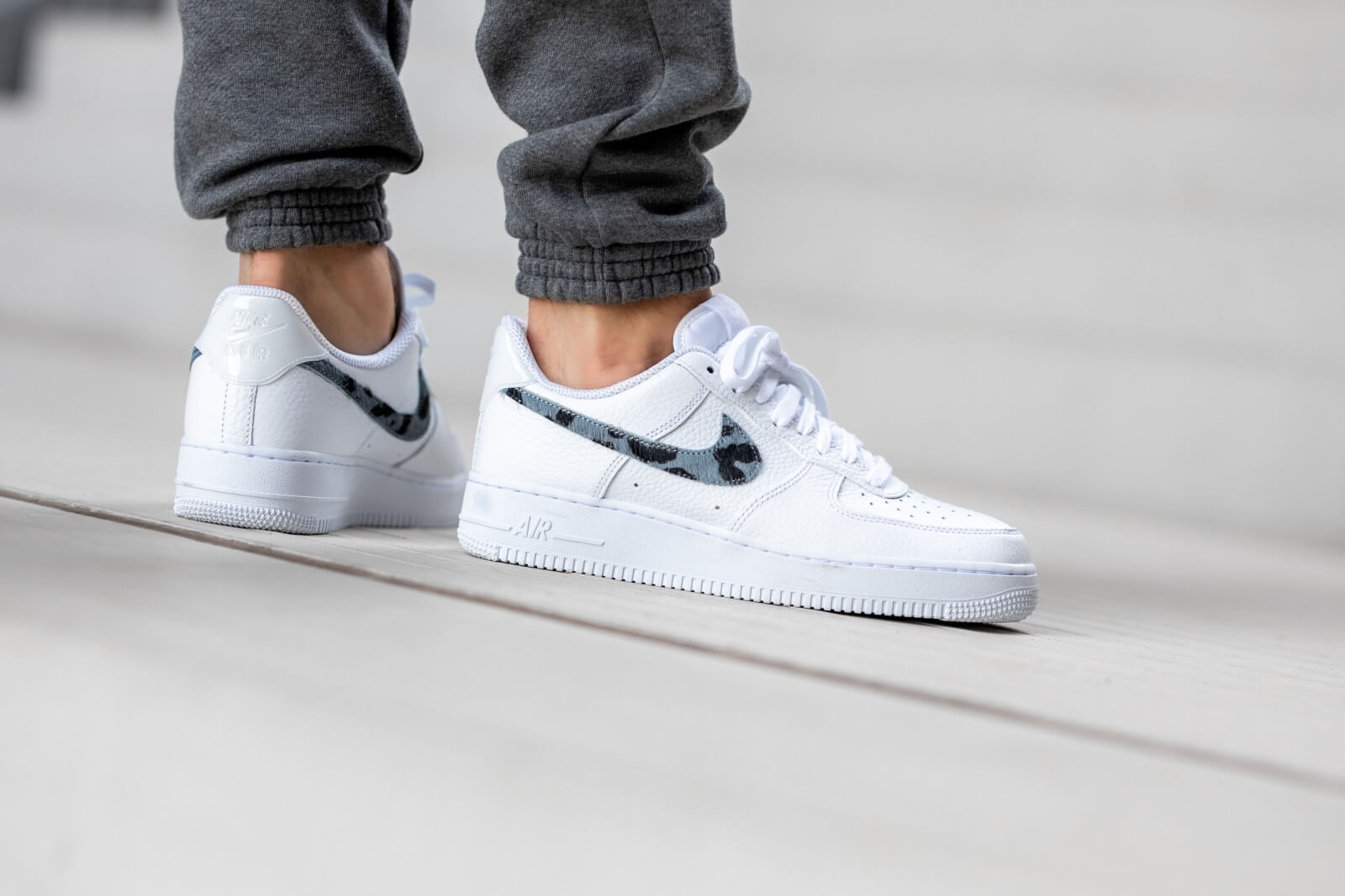 Nike Air Force 1 LV8 Animal Swoosh WhiteThunderstorm White CW7567 100