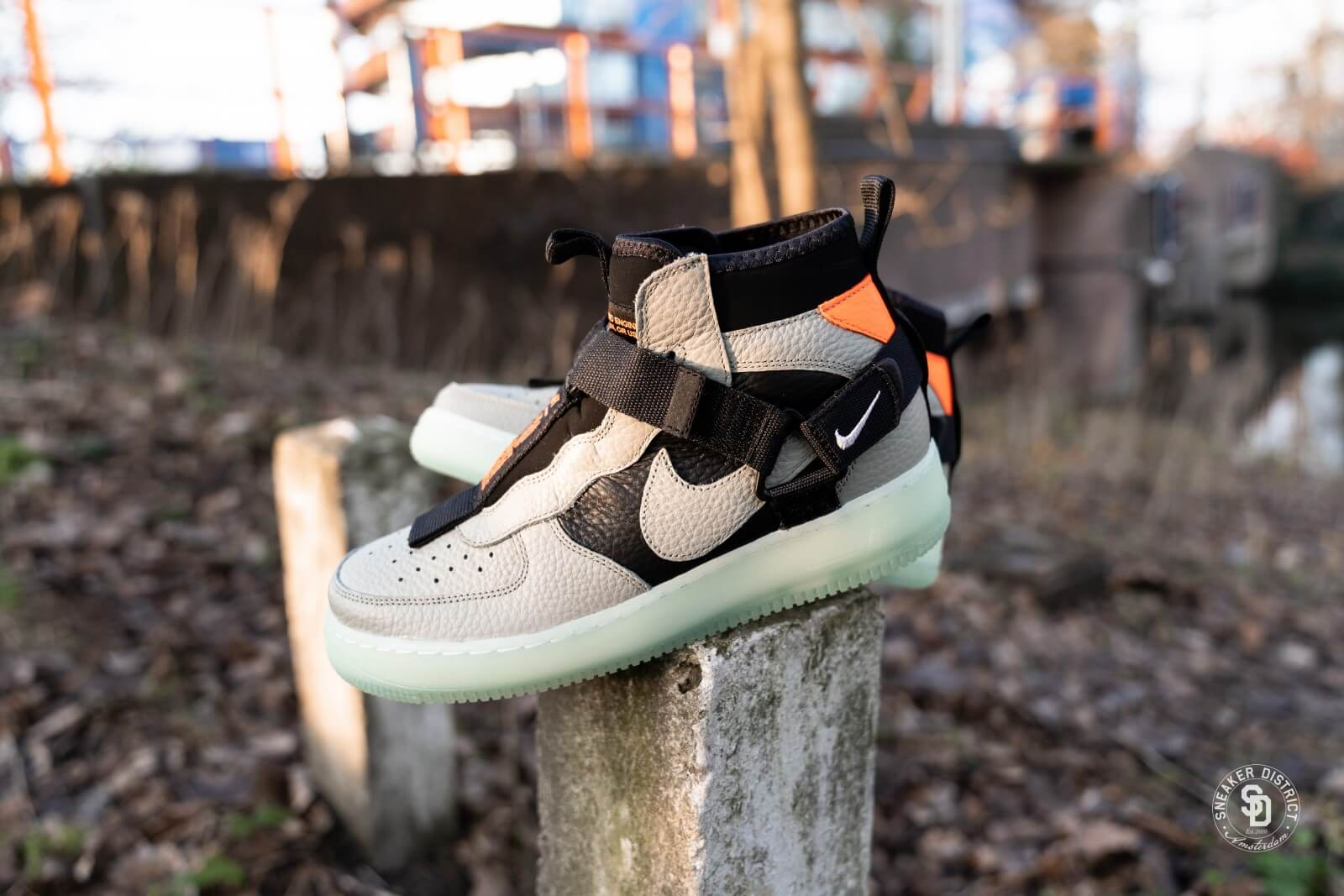 "Nike Air Force 1 Mid Utility ""Spruce Fog"" AQ9758 300"