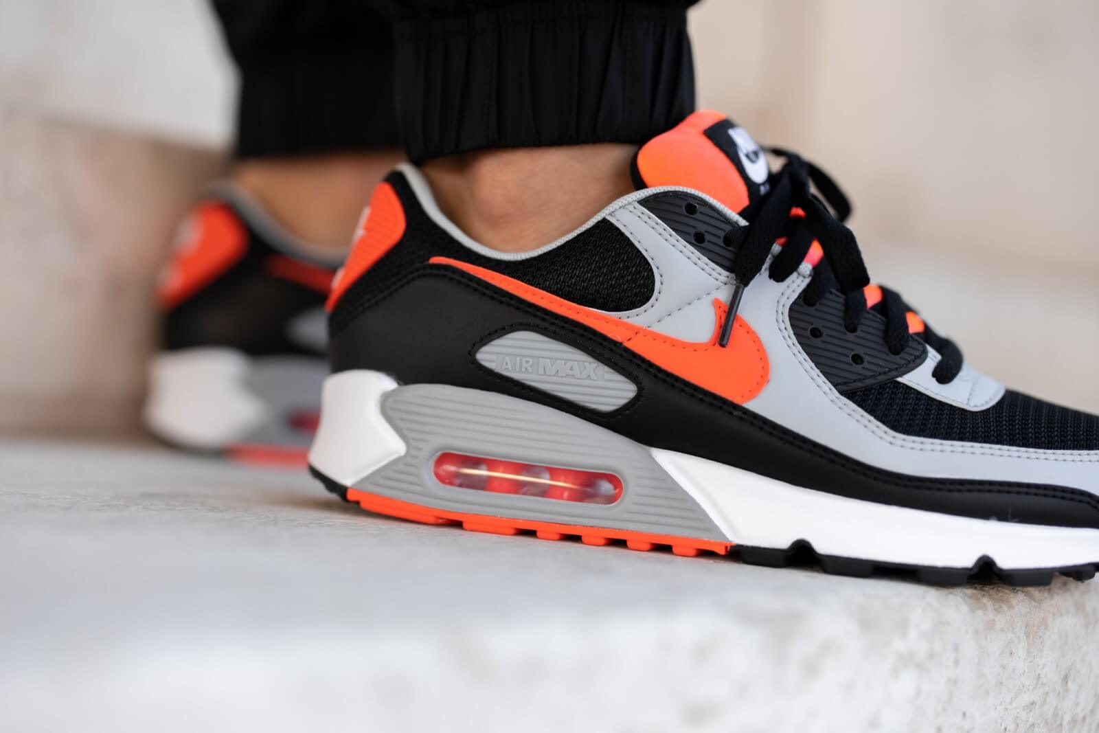 Nike Air Max 90 Black/Radiant Red-White-Wolf Grey