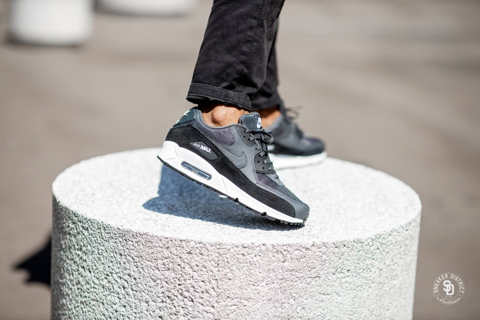 nike air max 90 essential black white anthracite