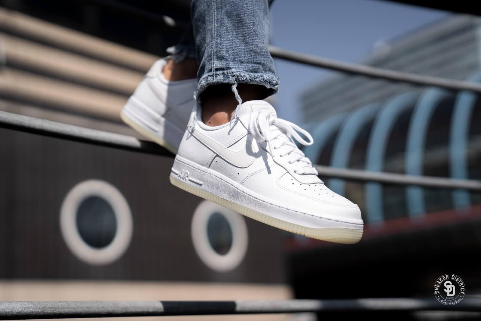 Nike Wmns Air Force 1 ´07 Essential   Vert   Baskets