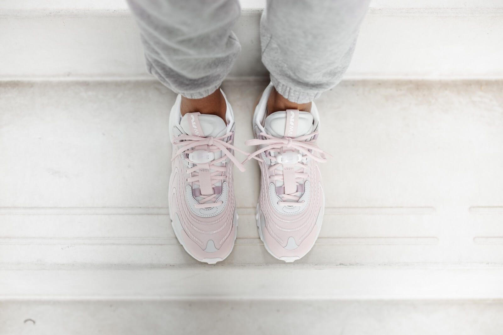 Nike Women's Air Max 270 React ENG Photon Dust/Summit White-Barely Rose