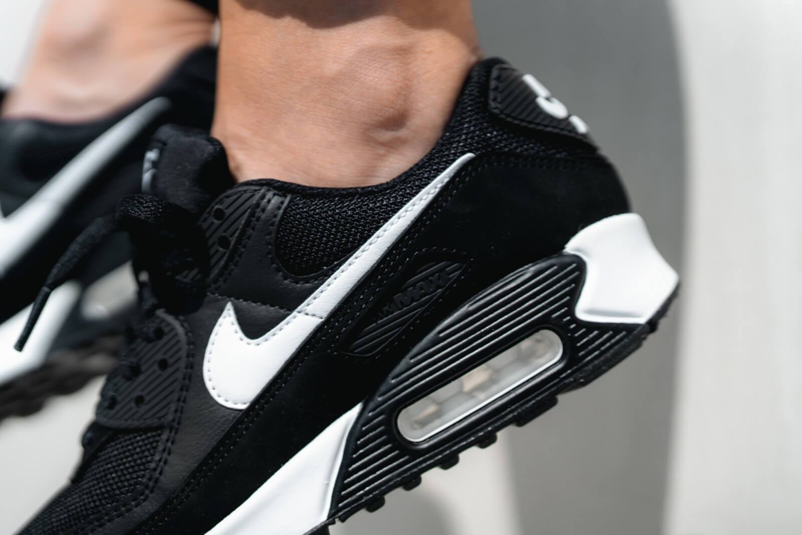 Nike Women's Air Max 90 Black/White