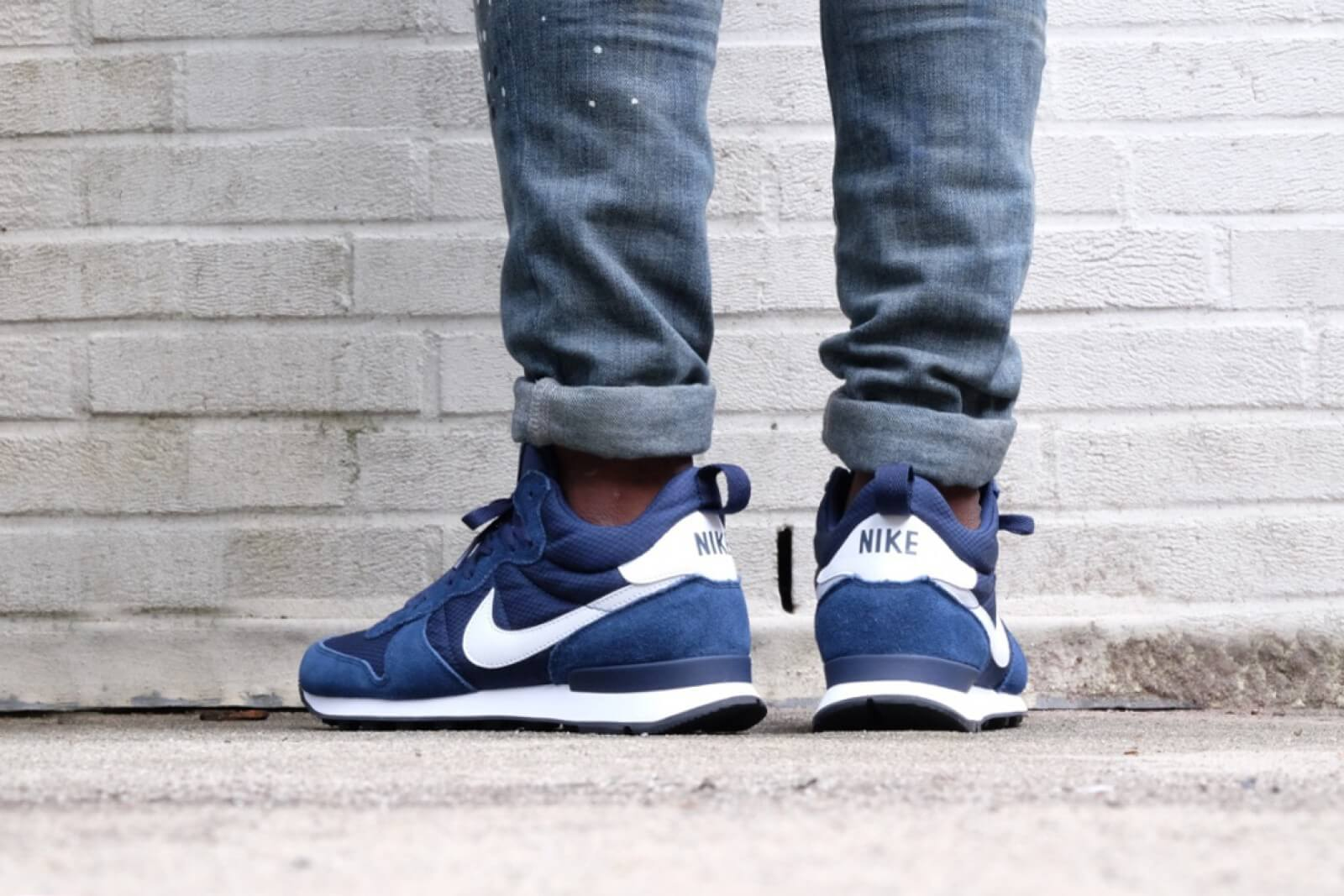 Nike Internationalist Mid Midnight Navy / White - White